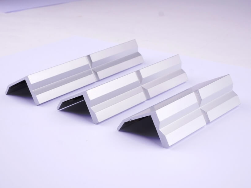 GSR protective aluminium jaws with only one prism profile in the sizes: 100 mm, 125 mm and 150 mm